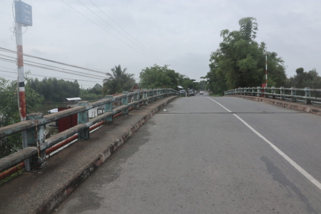 Road bridge in Plain of Reeds